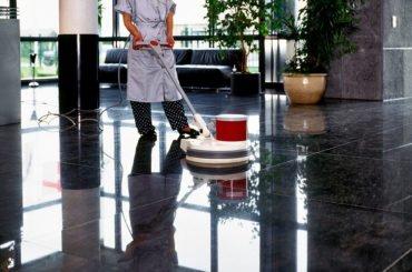 Tratamiento de pisos y limpieza profunda de edificios